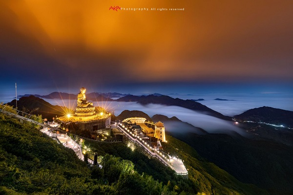 Quần thể tâm linh trên đỉnh Fansipan qua ống kính nhiếp ảnh gia Lê Việt Khánh