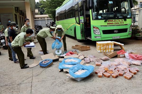 Nhiều mặt hàng thực phẩm không rõ nguồn gốc, xuất xứ cũng được QLTT tỉnh Đắk Lắk phát hiện và thu giữ