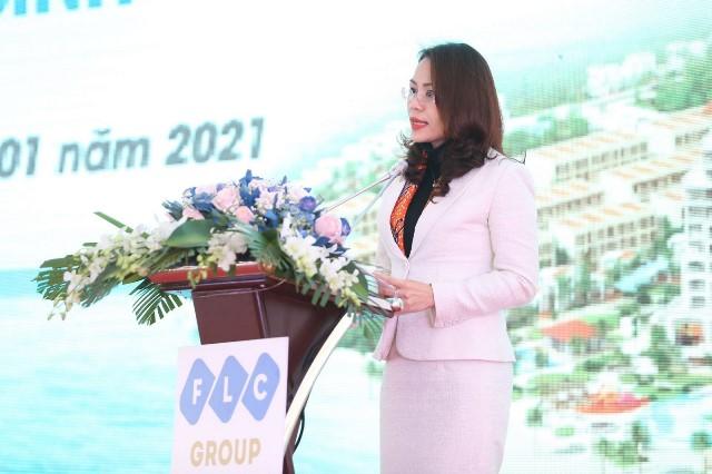 Bà Hương Trần Kiều Dung - Phó Chủ tịch Hội đồng quản trị Tập đoàn FLC phát biểu tại lễ khởi công