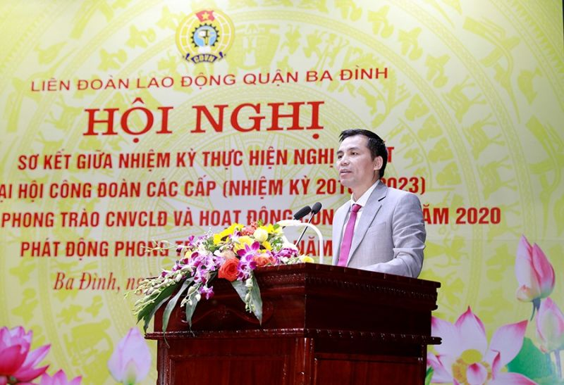 Ông Lê Đình Hùng - Phó Chủ tịch LĐLĐ thành phố Hà Nội phát biểu tại Hội nghị