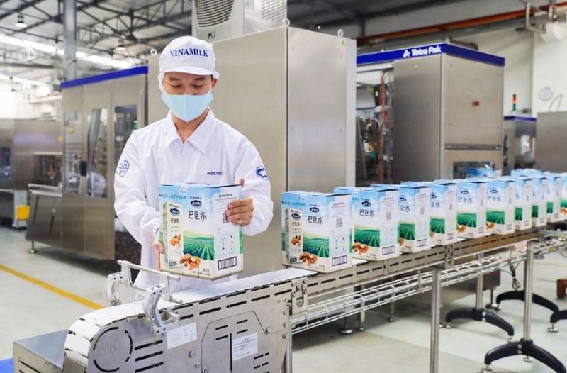 Sản phẩm sữa hạt cao cấp của Vinamilk xuất khẩu đi Trung Quốc có quy cách đóng gói và thiết kế bao bì khác biệt phù hợp với thị hiếu