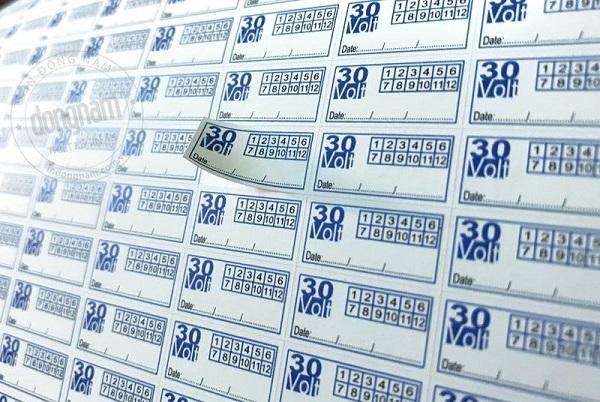 Xem xét việc dán tem điện tử cho doanh nghiệp sản xuất, nhập khẩu thuốc lá và rượu