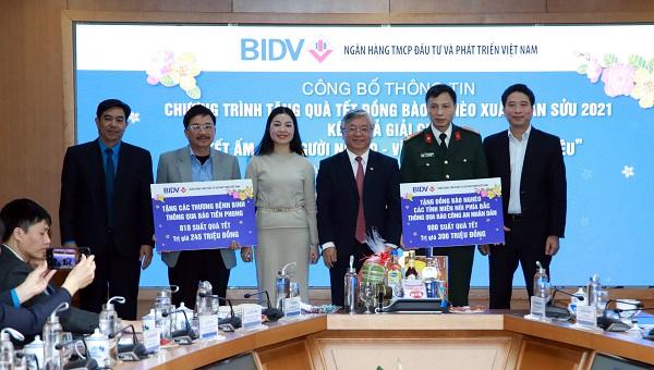 BIDV trao tặng quà Tết cho thương bệnh binh và đồng bào nghèo các tỉnh miền núi phía Bắc thông qua các cơ quan báo chí