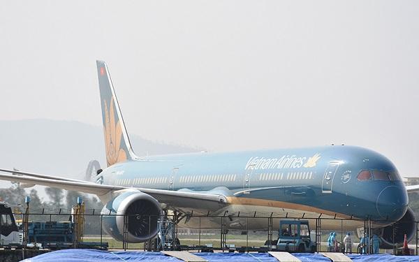 Chuyến bay VN579 chở hơn 340 công dân Việt Nam hạ cánh an toàn tại sân bay quốc tế Đà Nẵng chiều 23/1