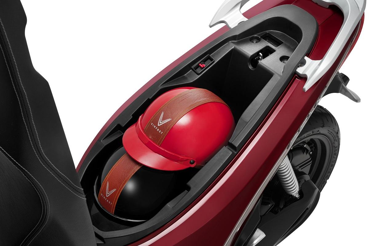 Feliz có thiết kế tiện dụng với cốp rộng đến 20 lít