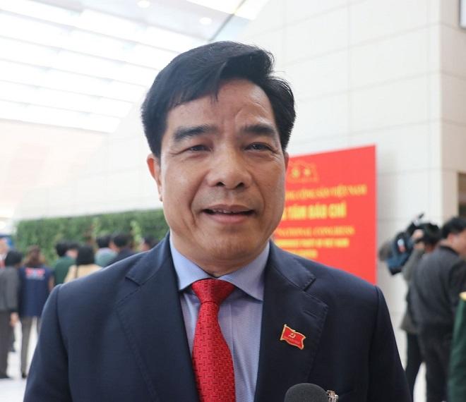 Đại biểu Lê Văn Dũng, Phó Bí thư thường trực Tỉnh ủy Quảng Nam