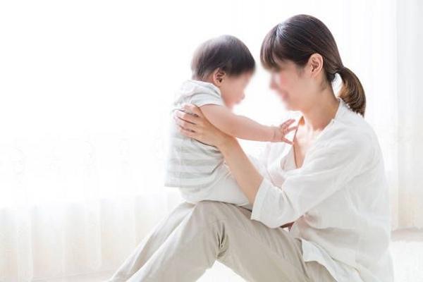 Phụ nữ sinh đủ 2 con trước 35 tuổi được khen thưởng, hỗ trợ tiền