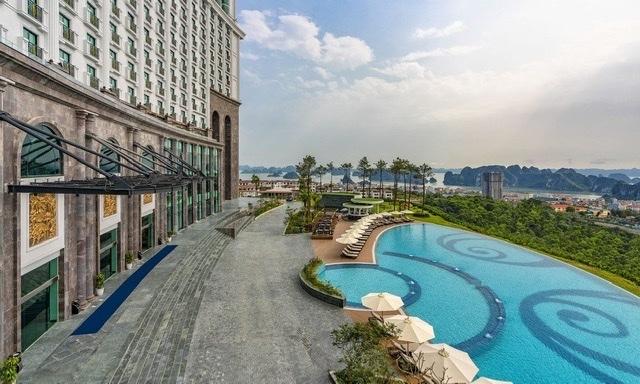 Khách sạn FLC Grand Hotel Ha Long với tầm nhìn view vịnh