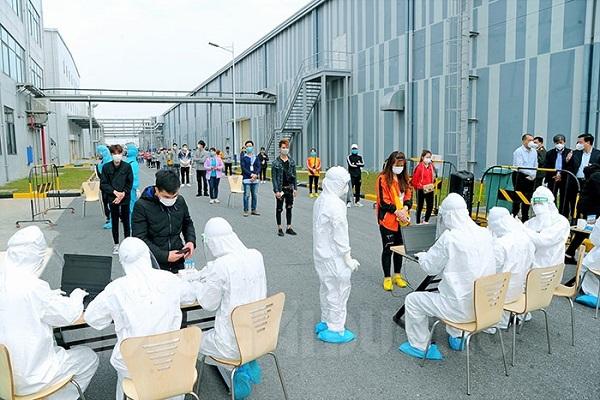 Hơn 7 nghìn công nhân tại huyện Cẩm Giàng âm tính với SARS-CoV-2