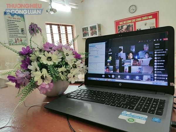Buổi học trực tuyến của cô trò Trường tiểu học Trưng Vương (Lê Chân)