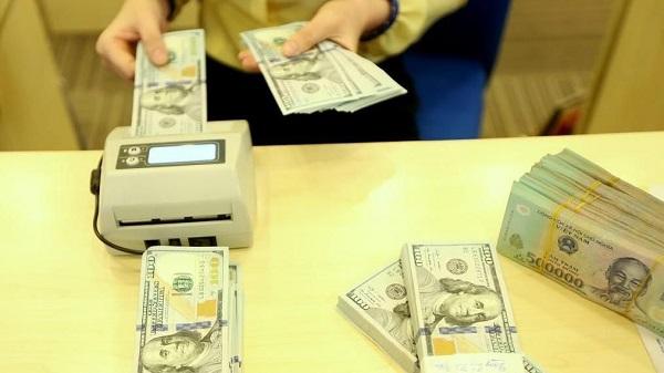 Chốt tuần, đồng USD sụt giảm nhanh