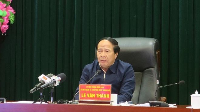 Ông Lê Văn Thành, Bí thư Thành ủy, Chủ tịch HĐND thành phố Hải Phòng trong buổi họp sáng ngày 22/2