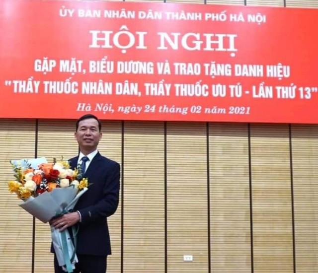 Thạc sỹ, Bác sỹ Nguyễn Văn Chánh- Phó Giám đốc Trung tâm cấp cứu 115 Hà Nội được trao tặng danh hiệu Thầy thuốc nhân dân, ưu tú