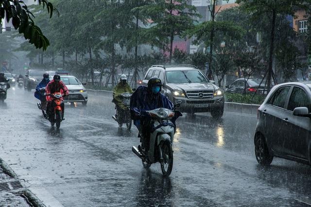 Hà Nội nhiều mây, sáng và đêm có mưa, trời lạnh.