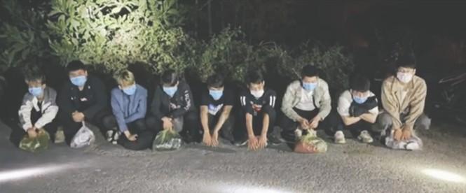 Các đối tượng người Trung Quốc bị bắt giữ.