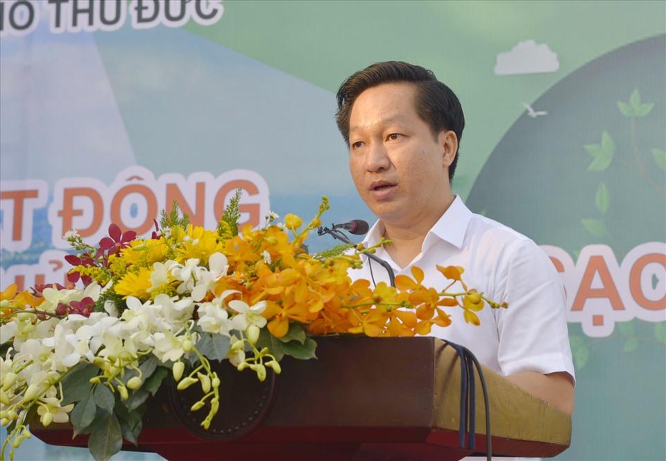 Ông Hoàng Tùng - Chủ tịch UBND Thành phố Thủ Đức - phát động trồng 1 triệu cây xanh trên địa bàn trong 5 năm tới.