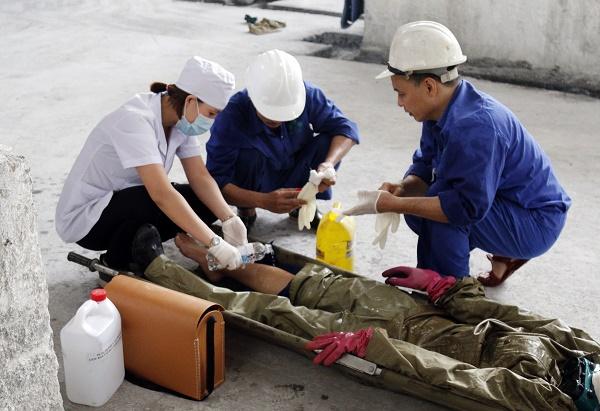 Hướng dẫn sơ cấp cứu trong tình huống giả định tai nạn lao động