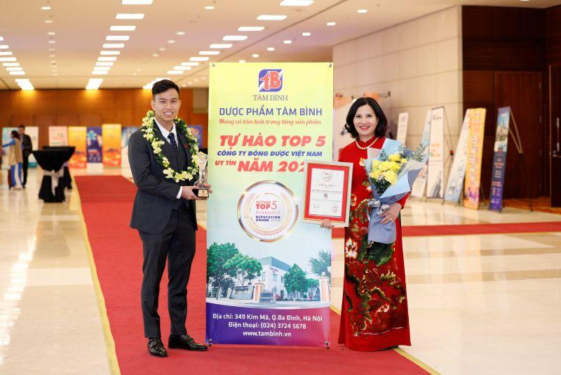 Dược phẩm Tâm Bình nhận giải thưởng Top 5 công ty Đông dược Việt Nam uy tín