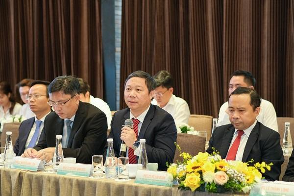Chương trình có sự tham gia của PGS.TS Dương Anh Đức – Thành Ủy viên, Phó Chủ tịch UBND TP.HCM. Ông chúc mừng và nhận định sự hợp tác giữa Tập đoàn Hưng Thịnh và ĐHQG-HCM cũng phù hợp với định hướng của TP.HCM trong việc đẩy mạnh chuyển đổi số và thực hiện mục tiêu trở thành đô thị thông minh.