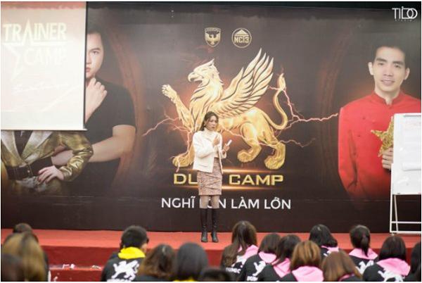 CEO Nguyễn Thu Phương chia sẻ tại Hội thảo