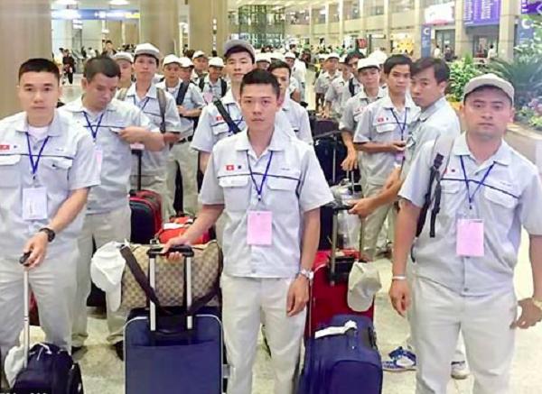 Người lao động Việt Nam chuẩn bị xuất cảnh đi làm việc tại Hàn Quốc