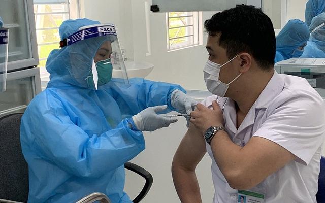 Cả nươc có 36.082 người được Vaccine tại 16 tỉnh thành.