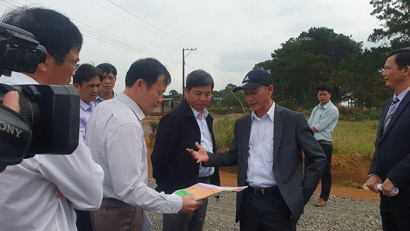 Chủ tịch UBND tỉnh Lâm Đồng cùng các Sở ban ngành kiểm tra thực tế, xử lý các trường hợp phân lô bán nền trái phép
