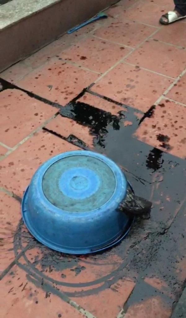 Đối tượng Tâm ném chất bẩn vào nhà hàng xóm (Ảnh người dân cung cấp)