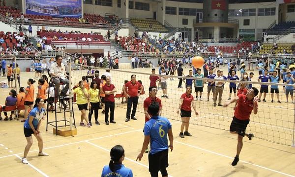 Ngay sau lễ Khai mạc đã diễn ra các trận thi đấu ở các bộ môn: Bóng chuyền hơi.