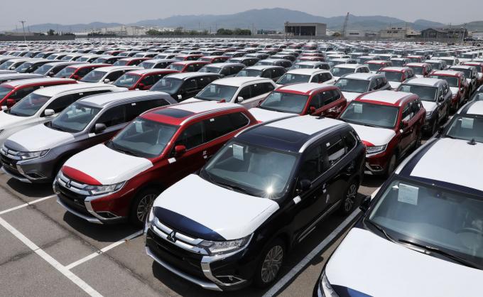 Lượng xe nhập khẩu tăng đột biến trong tháng 3