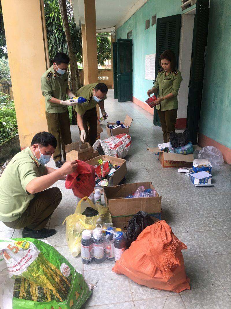Thu giữ hơn 100 kg thuốc Bảo vệ thực vật không rõ nguồn gốc xuất xứ tại Lào Cai