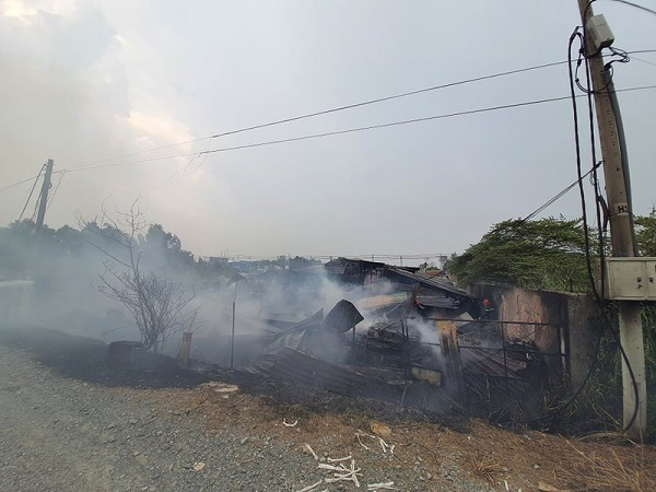Đám cháy lớn khiến nhiều tài sản, máy móc bên trong bị thiêu rụi