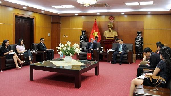 Thứ trưởng Đỗ Thắng Hải làm việc với Đại sứ Argentina tại Việt Nam