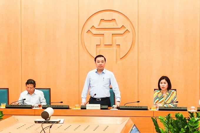 Phó Chủ tịch UBND TP Hà Nội Chử Xuân Dũng phát biểu tại phiên họp - Ảnh: PC