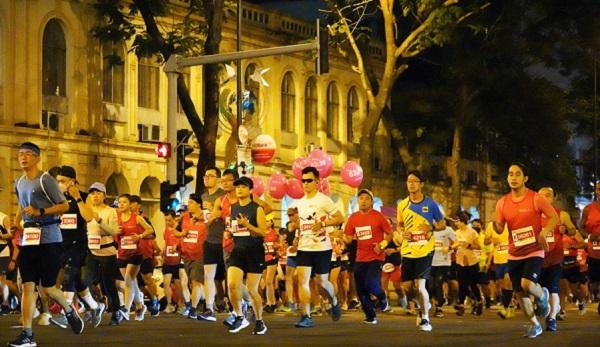 Hơn 13.000 VĐV tham gia đường chạy của Techcombank Ho Chi Minh City International MarathoN. Ảnh: Phạm Minh