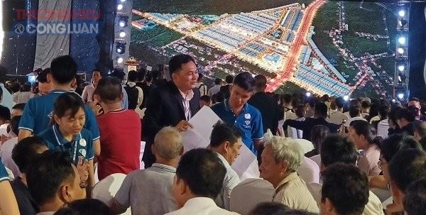 Khách hàng tham gia lễ mở bán án Diamond City Lộc Ninh