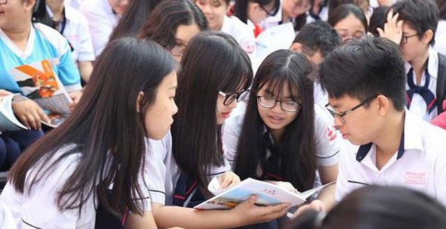 Bộ GD-ĐT đề nghị không tăng học phí năm học 2021-2022