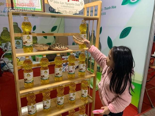 toàn tỉnh Thanh Hóa đang duy trì 17 cơ sở dán tem truy xuất nguồn gốc sản phẩm cung cấp ra thị trường.