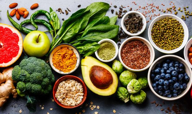 Người bị cao huyết áp nên ăn rau quả tươi