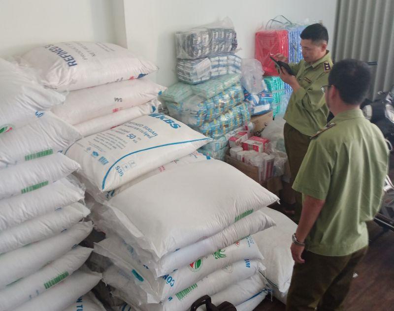 Cục QLTT Kon Tum tăng cường công tác kiểm tra, kiểm soát và tuyên truyền, ký cam kết mặt hàng đường nhập lậu