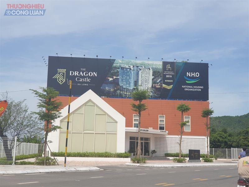 Mặc dù chính quyền ra nhiều văn bản siết chặt, quản lý thị trường BĐS tuy nhiên trên nhiều địa bàn tỉnh Quảng Ninh, rất nhiều chủ đầu tư vẫn ngang nhiên huy động vốn bán nhà hình thành trong tương lai khi chưa đủ điều kiện pháp lý, chưa xây móng.