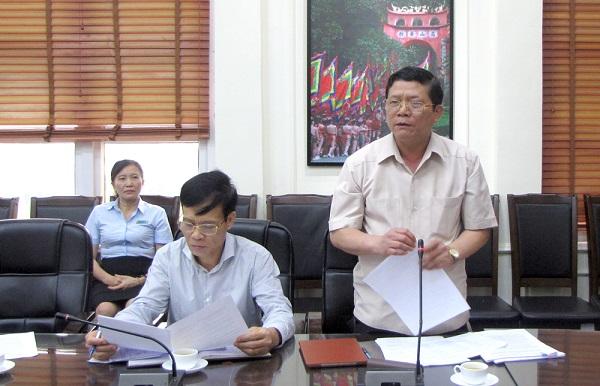 Đồng chí Nguyễn Văn Mạnh - Tỉnh uỷ viên, Giám đốc Sở GD&ĐT phát biểu tại buổi họp Hội đồng lựa chọn sách giáo khoa giáo duc phổ thông tỉnh