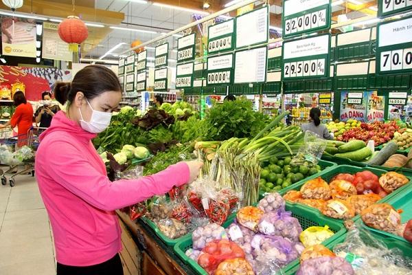 Nhiều chương trình khuyến mãi được Siêu thị Co.opmart Vĩnh Phúc triển khai để kích cầu mua sắm, phục vụ nhu cầu tiêu dùng