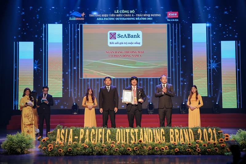 Trước đó, SeABank cũng lần thứ 5 liên tiếp được vinh danh trong Top 50 Thương hiệu tiêu biểu châu Á - Thái Bính Dương năm 2021.