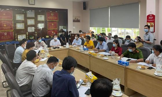 Phó Chủ tịch UBND TPHCM Dương Anh Đức họp bàn chỉ đạo với Ban Giám đốc Chợ đầu mối Bình Điền