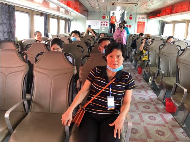 Tàu du lịch ra đảo Cồn Cỏ đầy tiện nghi và an toàn cho du khách