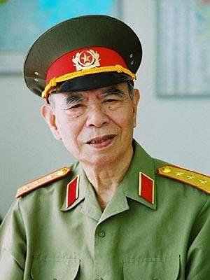 Thượng tướng Hoàng Minh Thảo