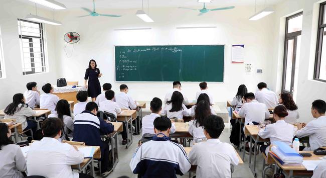 Hà Nội tạm hoãn đợt thi khảo sát với học sinh lớp 12