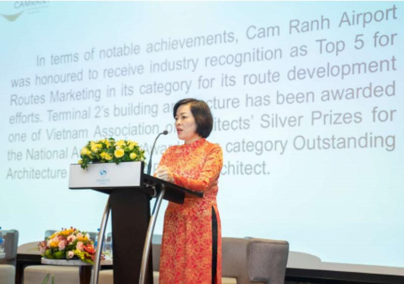 """Hình ảnh tư liệu: Bà Lê Thị Hồng Minh - Tổng Giám đốc Công ty Cổ phần Nhà ga Quốc tế Cam Ranh tại buổi hội thảo """"Chiến lược nâng cao chất lượng dịch vụ"""" tháng 6/2019"""