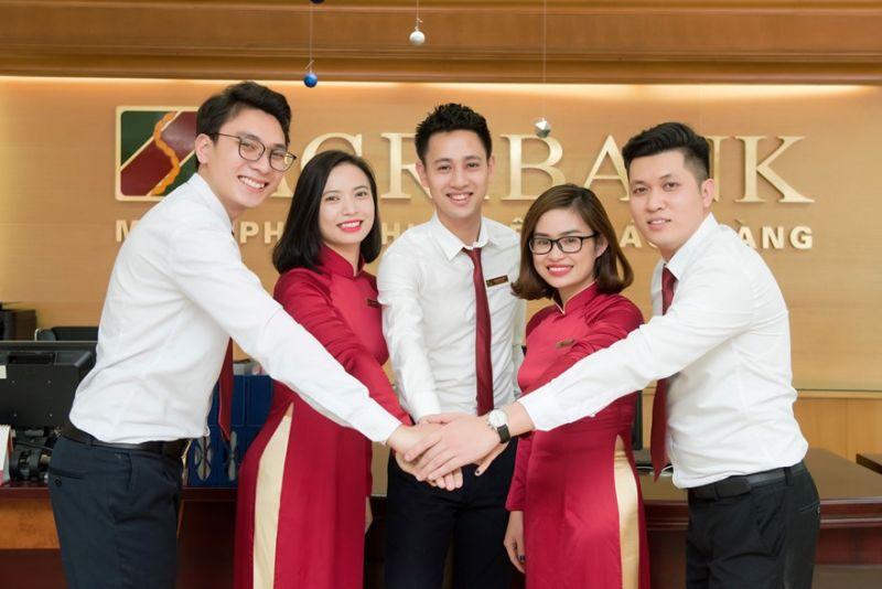 Cán bộ, người lao động Agribank lan tỏa tinh thần thi đua, đoàn kết, đổi mới, sáng tạo, cùng Agribank và ngành Ngân hàng Việt Nam viết tiếp những trang sử hào hùng, vẻ vang